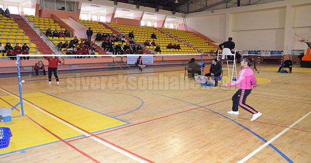 Siverek'te Badminton Grup Şampiyonası
