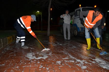 Siverek Belediyesinin Gece Temizlik Çalışması