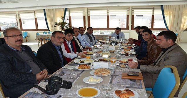 CHP Milletvekili Adayı Bucak Gazetecilerle Bir Araya Geldi