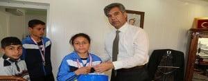 Öğrenciler Koşarak Kazandı, Kaymakam Ödüllendirdi
