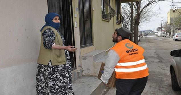 Siverek'te Suriyeli Mültecilere Yardımlar Sürüyor