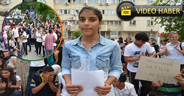 Anadolu Lisesi Öğrencileri Taşınma Kararını Protesto Etti