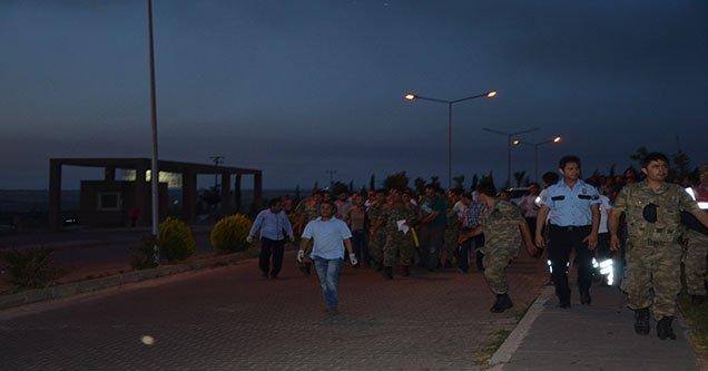 asker-tasiyan-midibus-kaza-yapti-1-sehit-cok-sayida-yarali (11)