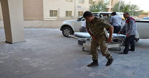 asker-tasiyan-midibus-kaza-yapti-1-sehit-cok-sayida-yarali (6)