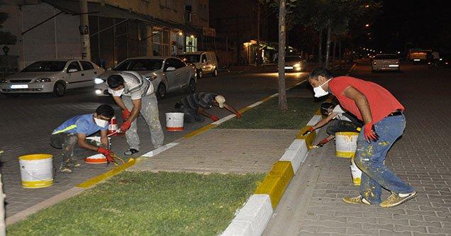 Gündüz oruç tutan işçiler gece çalışıyor