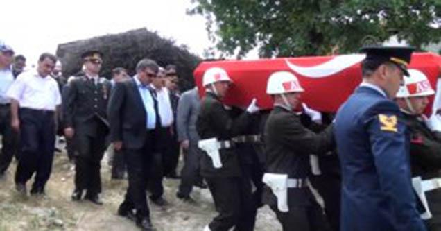 Şehit Asker Gözyaşları Arasında Toprağa Verildi