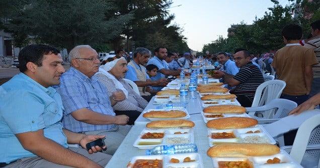 siverek-belediyesi-12-gunde-12-bin-kisiye-iftar-verdi (2)