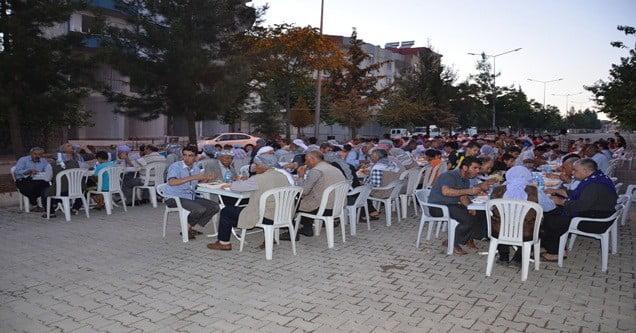 siverek-belediyesi-12-gunde-12-bin-kisiye-iftar-verdi (3)