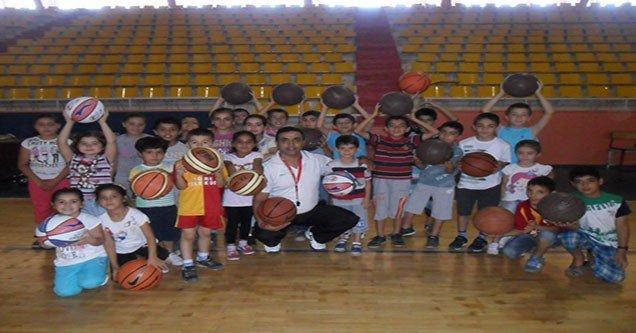 Siverek'te Yaz Spor Okulları Faaliyetlere Başladı