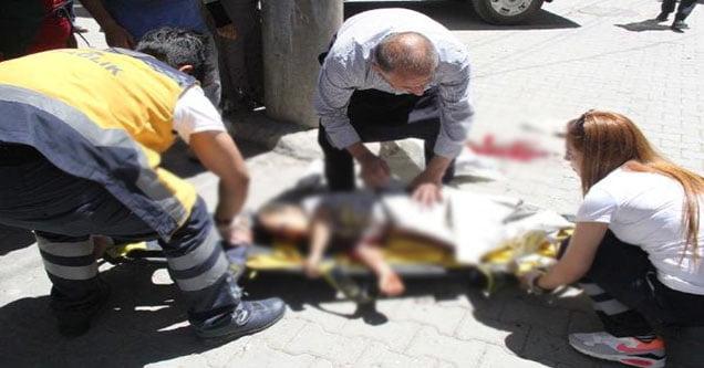 Asıldığı römorkten düşen çocuk yaralandı