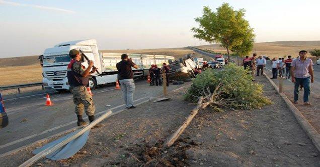 Tarım İşçilerini Taşıyan Minibüs Kaza Yaptı: 14 Yaralı