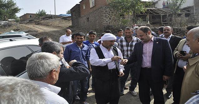 Milletvekili Gülpınar, Bucak bölgesini ziyaret etti