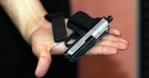Ruhsatsız tabanca taşıyan şahıs gözaltına alındı