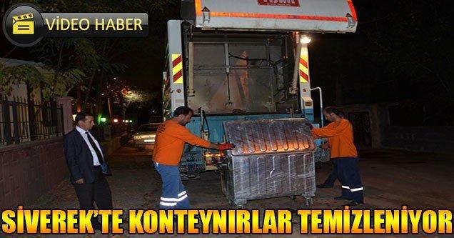 Siverek'te çöp konteynırları temizleniyor