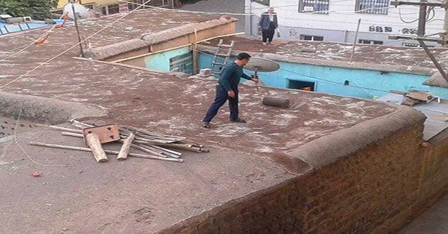 Toprak çatılı evlerde kış hazırlığı başladı