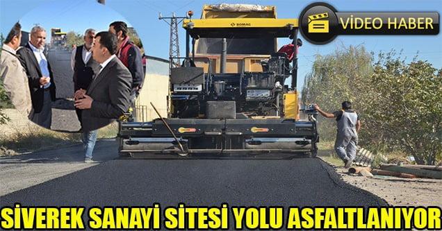Sanayi sitesinin yolu asfaltlanıyor