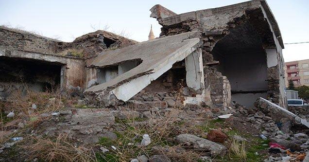 Siverek'te metruk binalar yıkılacak