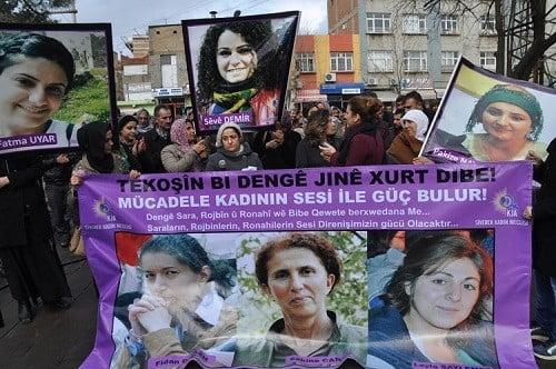 Paris'te öldürülen üç kadın Siverek'te anıldı