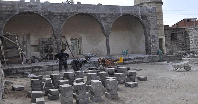 Tarihi Camide Çalışmalar Yeniden Başladı