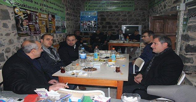 Nevanda Kurdi Yöneticileri Gazetecilerle Bir Araya Geldi