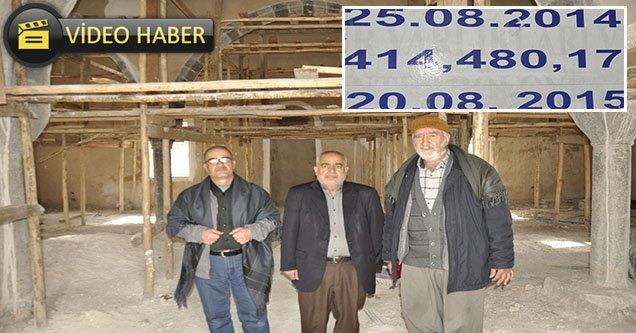 Restorasyonu Uzayan Caminin Cemaati Tepkili
