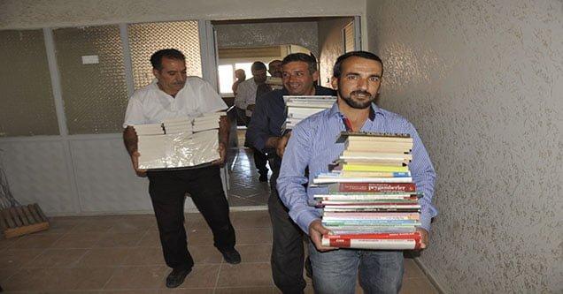 İş-Kur Siverek Köy Okuluna 900 Kitap Bağışladı