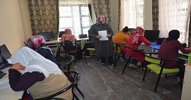 Siverekli Kadınlar Kurslarda Meslek Öğreniyor