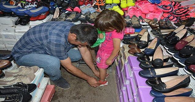 Alikar İnsani Yardım'dan Yetimlere Ayakkabı