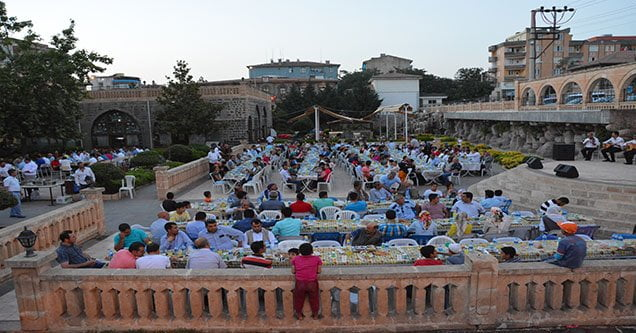 Belediye çalışanları birlikte iftar açtı