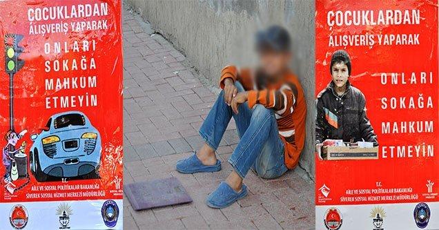 Sokakta Çalıştırılan Çocuklar İçin Afişli Uyarı