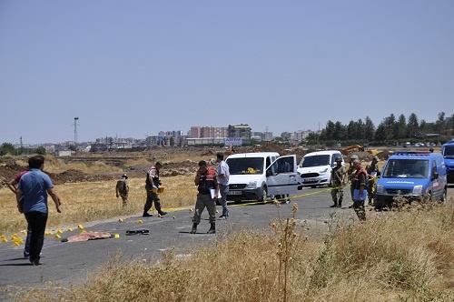 Otomobile silahlı saldırı: 1 ölü 2'si ağır 4 yaralı