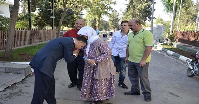 Başkan Yılmaz, halkla bayramlaştı