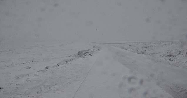 Yoğun kar yağışı taşımalı okullarda tatili uzattı