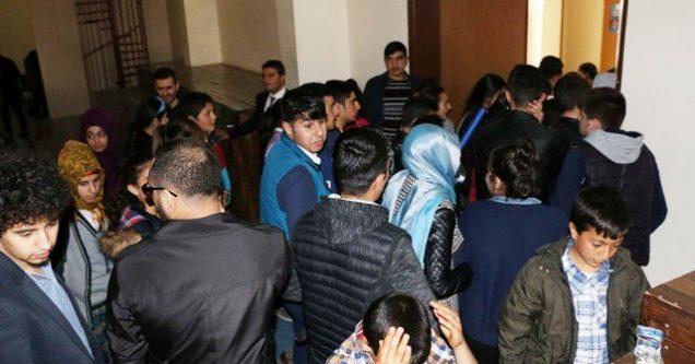 Depreme konferans salonunda yakalandılar