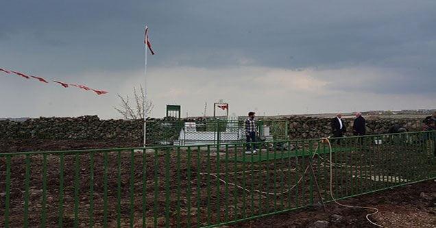 Şehit Orhan İrkarlı'nın mezarında çevre düzenlemesi