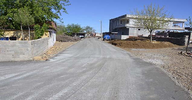 Kayseri Mahallesinde beton yol çalışmalarına başlandı