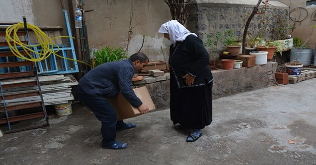 Siverekli ihtiyaç sahiplerine gıda yardımı