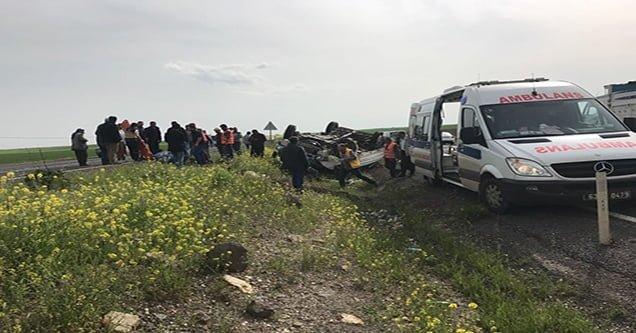 Takla atan pikapta bulunan 5 kişi yaralandı