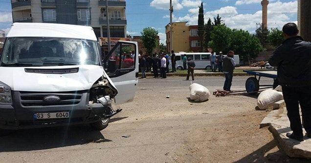 Öğrenci servisi at arabasıyla çarpıştı: 1 yaralı