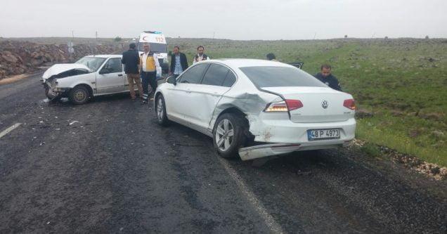 Hatalı sollama kazaya neden oldu: 3 yaralı