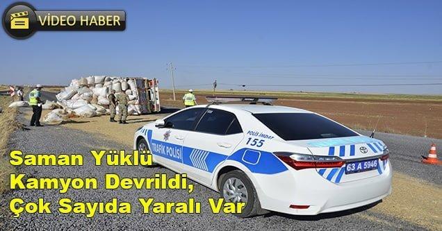 Saman yüklü kamyon devrildi, 8 işçi yaralandı