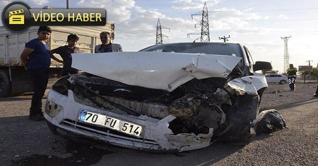 Siverek'te iki otomobil çarpıştı: 1'i ağır 4 yaralı
