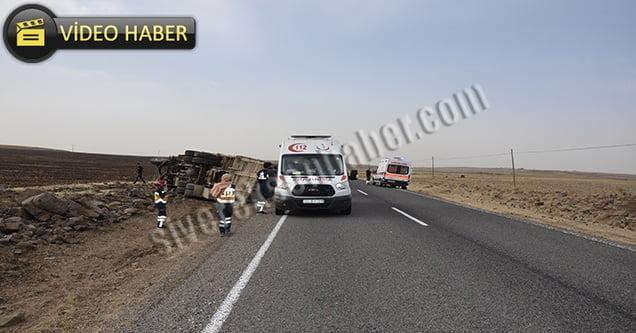 Otomobil ile kamyon çarpıştı: 4 yaralı