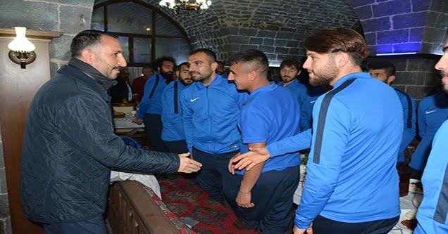 Başkan Yılmaz, Belediyespor ile yemekte bir araya geldi