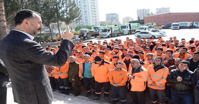 Başkan Yılmaz, işçileri 'kadro' konusunda bilgilendirdi
