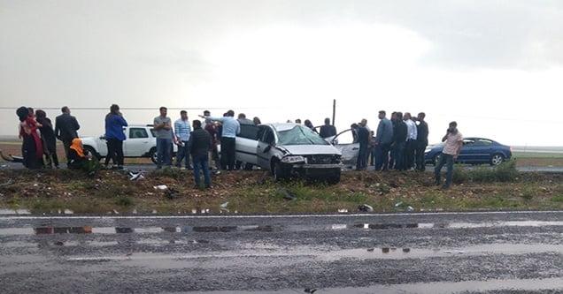 Su birikintisine giren otomobil takla attı: 5 yaralı