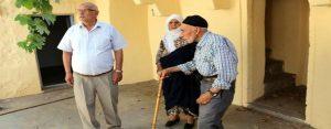 Yaşlı çift belediyeye ait evde yaşayacak