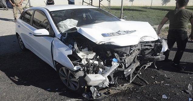 Otomobil ile kamyon çarpıştı: 1 yaralı