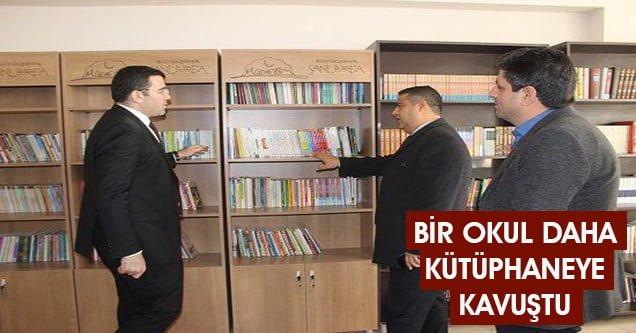 Bir okul daha kütüphaneye kavuştu