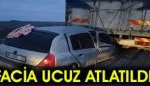 Otomobil Tıra çarptı: 1'i ağır 8 yaralı